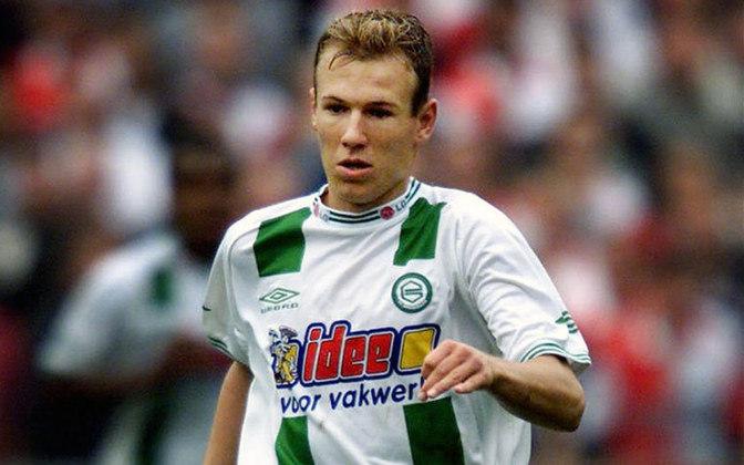 Arjen Robben foi revelado pelo FC Groningen, um clube que fica entre as posições inferiores da tabela do Campeonato Holandês. Por lá, também foram criados Ronald Koeman, zagueiro campeão da Liga dos Campeões por Ajax e Barcelona, e Virgil Van Dijk, atual defensor do Liverpool