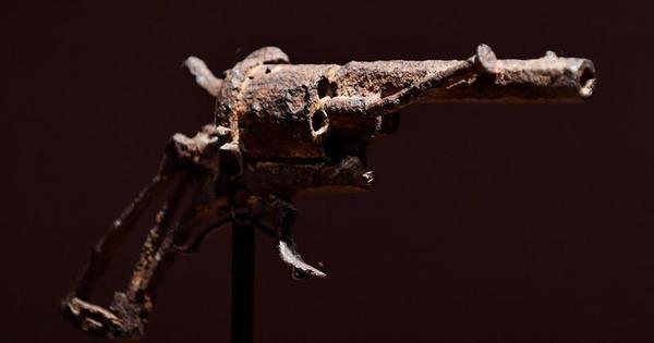 Arma que Van Gogh teria usado para se suicidar é leiloada em Paris