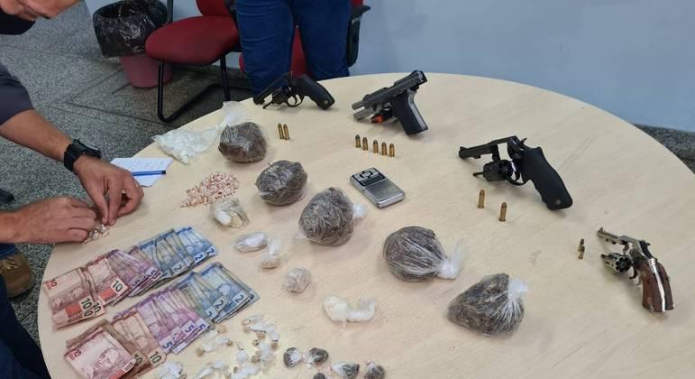 Apreensão de drogas, armas e dinheiro feita no Amazonas