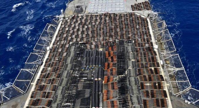 EUA apreende milhares de armas ilegais no Mar da Arábia