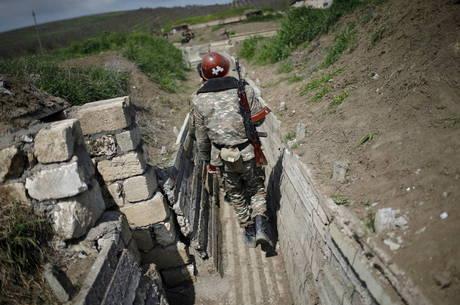 Confrontos entre Armênia e Azerbaijão continuam