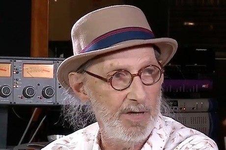 Arnaldo Saccomani diz não gostar da música de Vittar