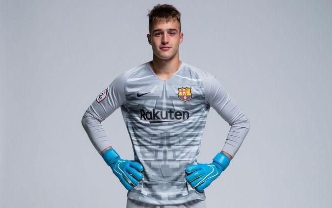 Arnau Tenas - Goleiro - 21 anos - Barcelona B
