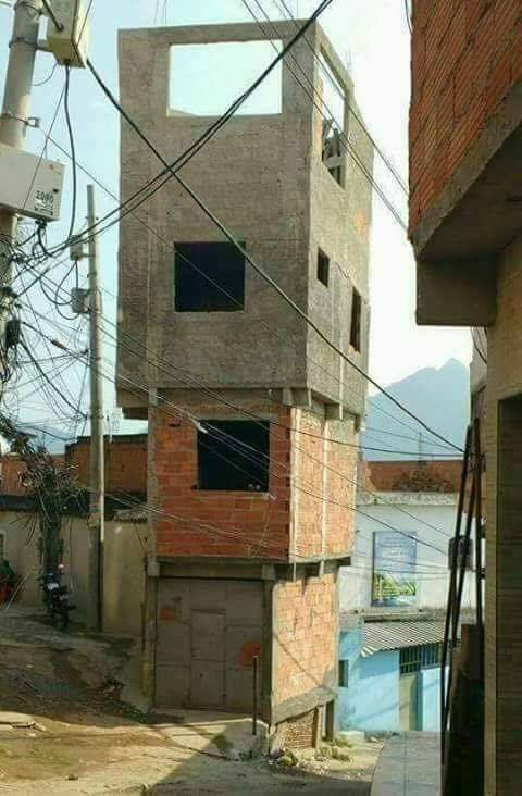[Imagem: arquitetura-brasileira-limite-26102018115313828]