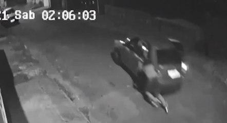 Suspeito foi arrastado ao tentar cometer furto