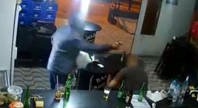 Uma das câmeras de segurança do local flagrou a ação dos criminosos