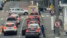 SP: criminosos fazem arrastão a motoristas parados em avenida