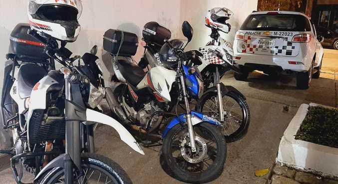 Equipes da Rocam conseguiram encontrar uma das motocicletas utilizadas pelo grupo
