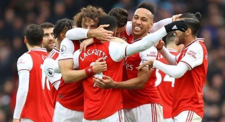 A festa do Arsenal pelos 100% de aproveitamento