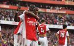 O Arsenal levou a melhor no clássico londrino contra o Tottenham. Com os gols de Smith-Rowe, Aubameyang e Saka, os gunners construíram o placar de 3 a 1 ainda no primeiro tempo. Son descontou para os Spurs na segunda etapa