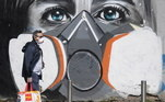 Arte de rua com temática do coronavírus em Milão, Itália