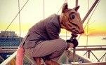 Em entrevista à revista online Hyperallergic, Lyons explicou ter elaborado a fantasia de roedor gigante em 2009. O personagem inclusive tem nome: Buddy, O Rato
