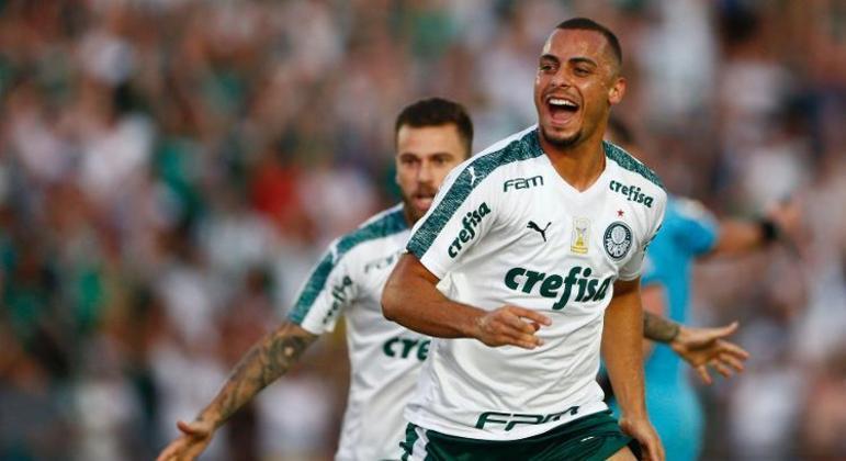 Arthur Cabral não se destacou em passagem pelo Palmeiras