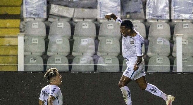 Arthur Gomes abriu caminho para a vitória do Santos