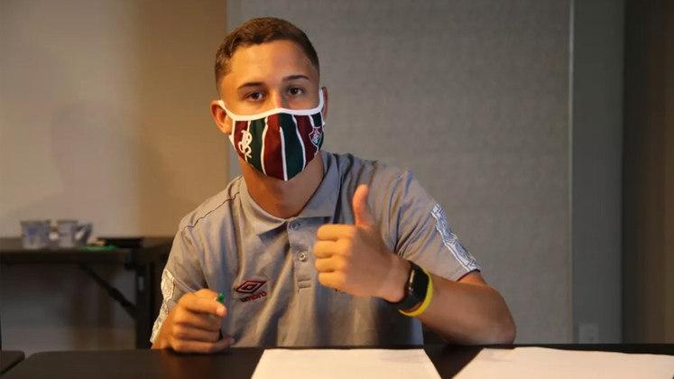 Arthur - meio-campista - 16 anos - contrato até 22/02/2026