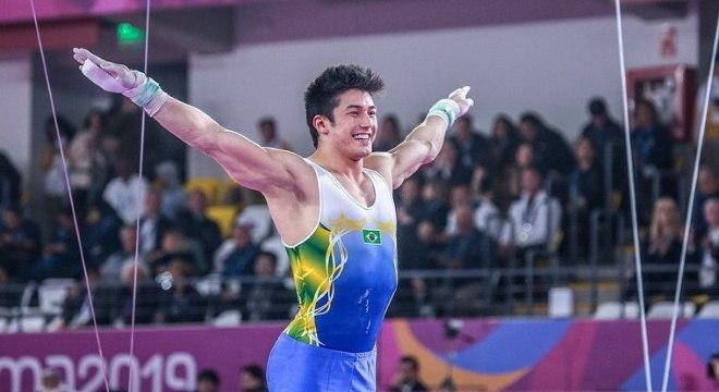 Arthur Nory chega a Tóquio visado após ouro em Mundial