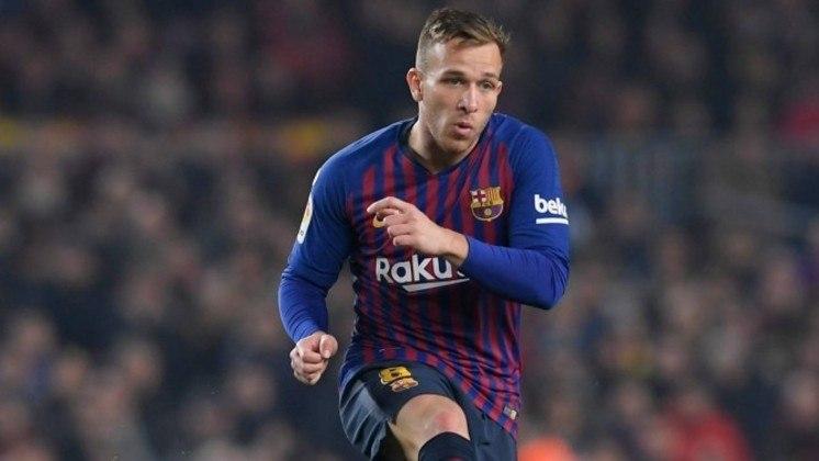 Arthur - Posição: meia - Clube em 2019: Barcelona - Clube em 2021: Juventus.