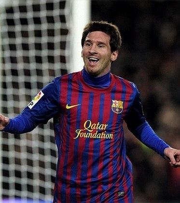 Artilheiro de uma temporada em competições oficiais. Messi marcou 73 gols na temporada 2011/12.