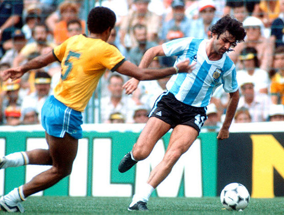 Artilheiro e campeão da Copa do Mundo de 1978 pela Argentina, Mário Kempes esteve no Maracanã com sua seleção dois anos antes. Na ocasião, pela Copa Rocca, os brasileiros venceram por 2 a 0 com gols de Lula e Neca