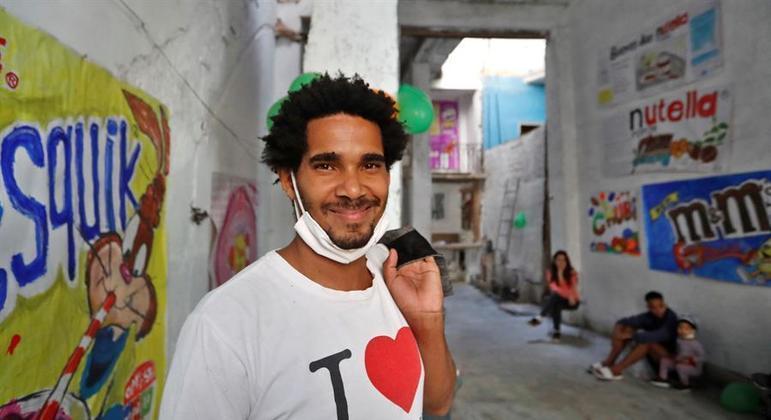 Luis Manuel Alcántara pouco antes de ser detido em sua casa, em Havana, no início de abril