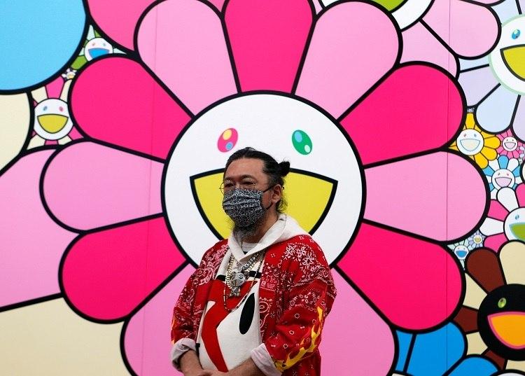 Artista japonês Takashi Murakami concede entrevista em Tóquio