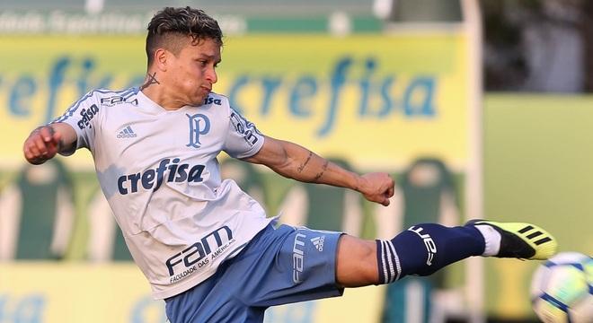 Artur vem tendo chances no time titular do Palmeiras com Felipão