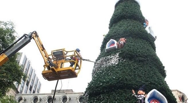 Praça do Patriarca terá árvore de Natal de 22 metros de altura com gnomos