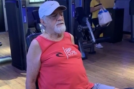 Ary mostrou treino de pernas na academia