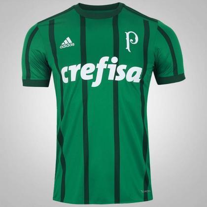 As camisas 1 e 2 lançadas na coleção 2017/2018 tinham símbolo de 1942, quando o clube precisou trocar o nome de Palestra Itália para Palmeiras. Foi o primeiro símbolo do Alviverde com o nome Palmeiras.