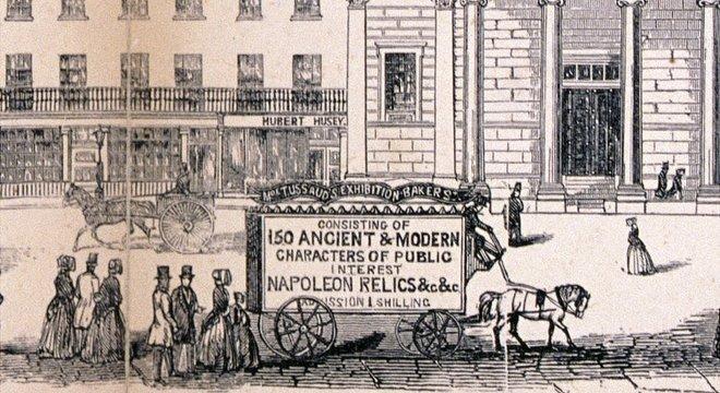 As carruagens que carregavam suas figuras de cera eram outdoors
