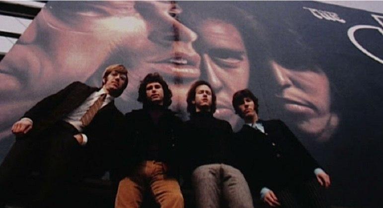 As letras e as performances no palco fizeram a banda The Doors como uma das mais influentes do período. Destaques para as músicas