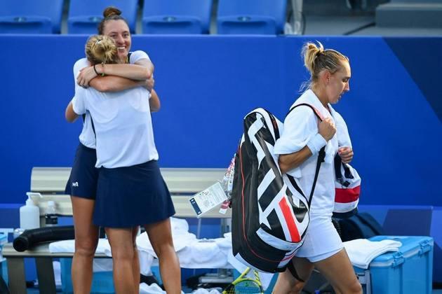 As tenistas Luisa Stefani e Laura Pigossi fizeram história em Tóquio. As brasileiras venceram as russas Elena Vesnina e Veronika Kudermetova por 2 sets a 1, com parciais de 4/6, 6/4 e 11/9, e conquistaram a medalha de bronze. Foi a primeira medalha olímpica do Brasil no tênis.