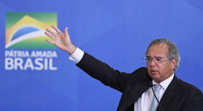 Guedes está confiante no teto e reformas e não fala em deixar governo