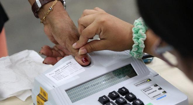Quase 80% dos prefeitos do país podem disputar reeleição em novembro
