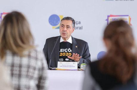 Ministro Luís Roberto Barroso, presidente do TSE, que sofreu tentativa de ataque
