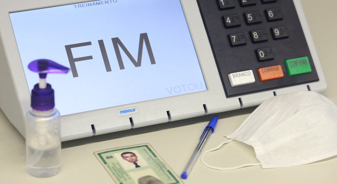 Uso de máscara é obrigatório no dia da votação e é indicado levar a caneta