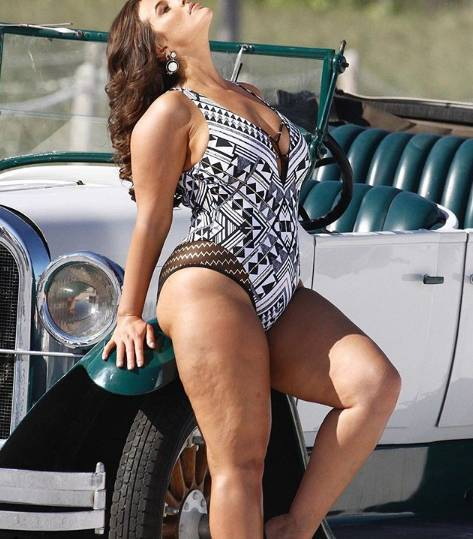 Ashley Graham fotografa para campanha sem photoshop