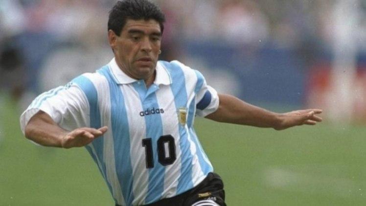 Asif Kapadia, diretor do documentário sobre a vida de Maradona também prestou homenagem ao craque: