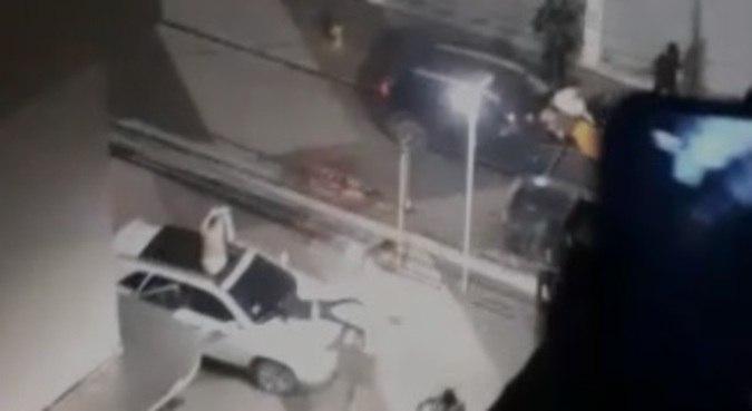 Ação de criminosos foi flagrada por câmeras de segurança