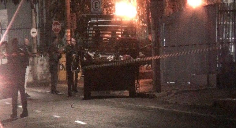 Criminosos trouxeram caminhonete com explosivos, que foram espalhados pela cidade