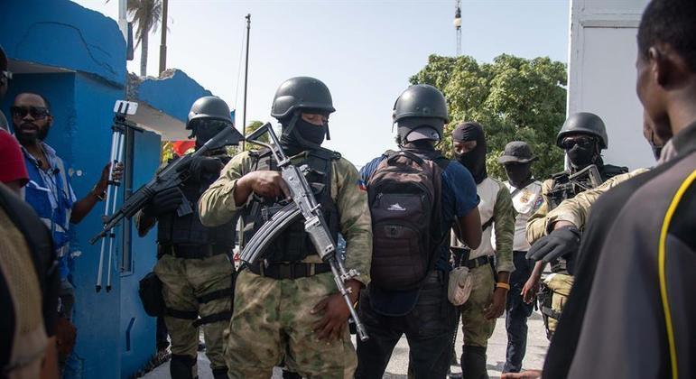 Polícia do Haiti acredita que grupo que assassinou o presidente tinha cerca de 30 pessoas