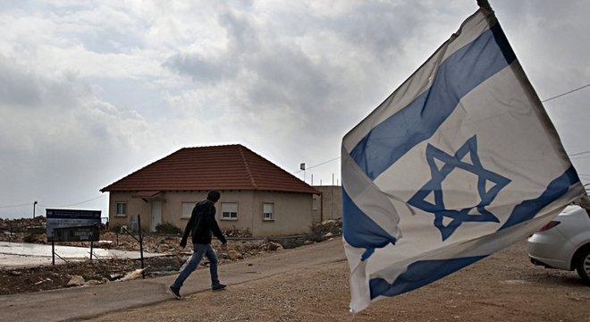 Assentamento israelense na Cisjordânia; palestinos dizem que existência dessas comunidades inviabiliza criação de Estado próprio