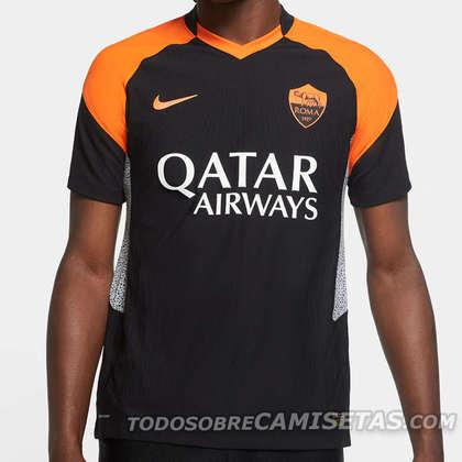Assim como a maioria dos modelos alternativos fornecidos pela Nike, a nova camisa da Roma também é inspirada no tênis Air Max. O uniforme faz referências à camisa reserva usada na temporada 98/99