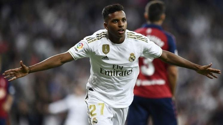 Assim como a sua estreia em amistosos pelo Real Madrid, também marcou em seu primeiro jogo oficial pelo clube Merengue. O jogador entrou aos 34 minutos do segundo tempo contra o Osasuna, no Santiago Bernabeu, pela sexta rodada do Campeonato Espanhol, e deixou a sua marca na vitória por 2 a 0.