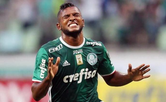 Assim como o venezuelano, Borja é outro que chegou com grande pompa e não correspondeu às expectativas. Até fez alguns gols importantes, mas não se firmou como titular e acabou emprestado ao Junior Barranquilla