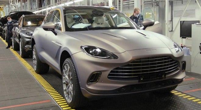 Linha de produção do DBX no País de Gales: foco no mercado norteamericano com motor V8
