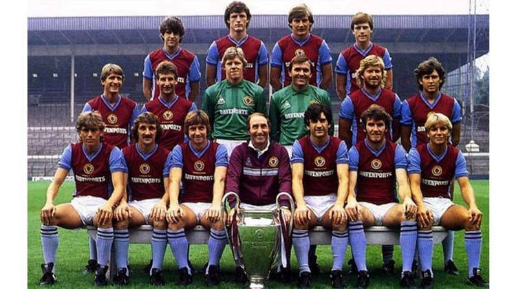 Aston Villa - 1 título (1981–82).