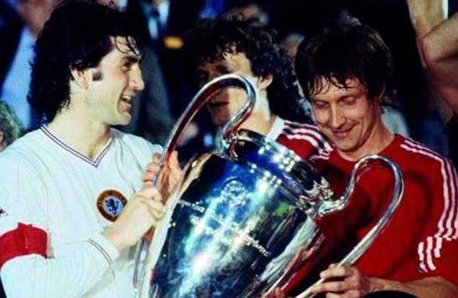Aston Villa 1 x 1 Bayern de Munique - Final da Champions League de 1981/1982 - Data - 26/05/82 - Estádio - Feijenoord Stadion