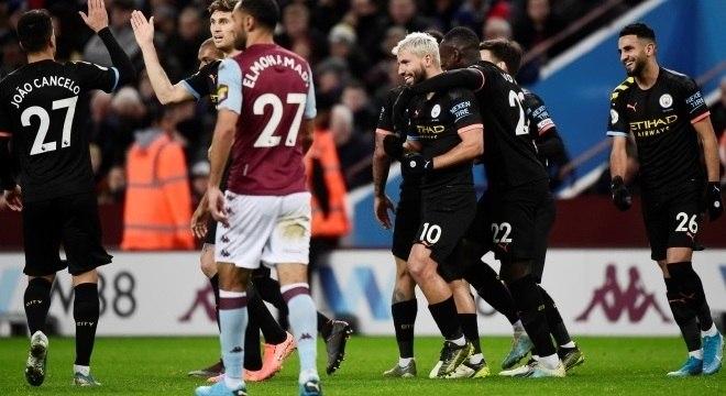 Sergio Agùero fez três na goleada por 6 a 1 do City sobre o Aston Villa