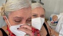 Astrid Fontenelle é vacinada em SP: 'Gratidão aos cientistas e ao SUS'